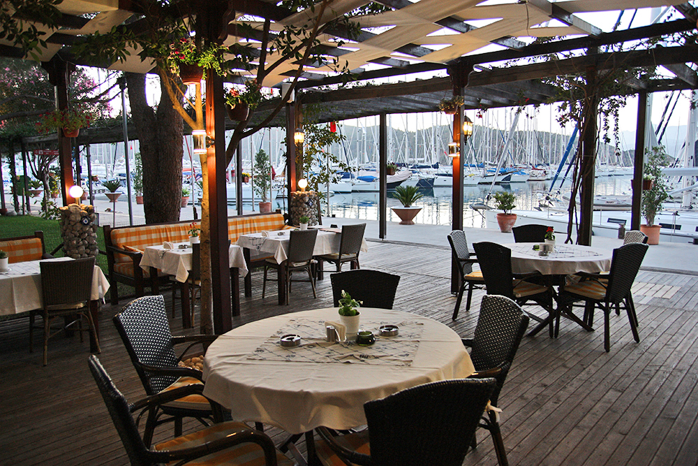 mod cafe in Fethiye Ece Marina